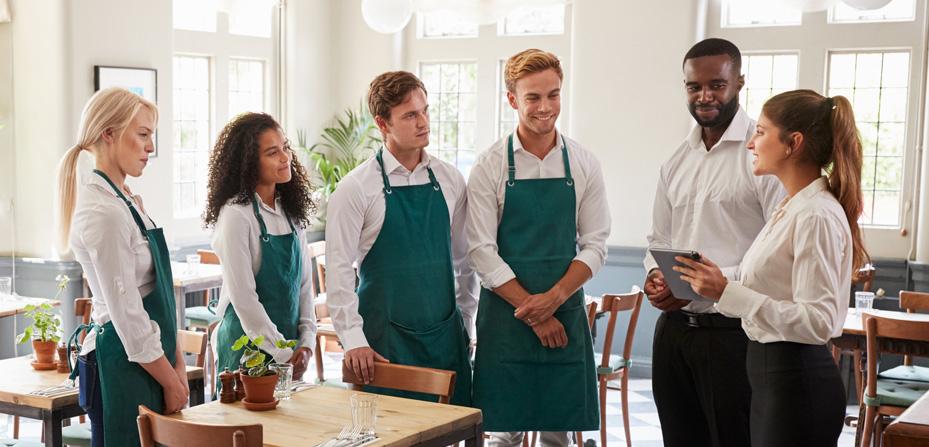 команда открывающегося ресторана